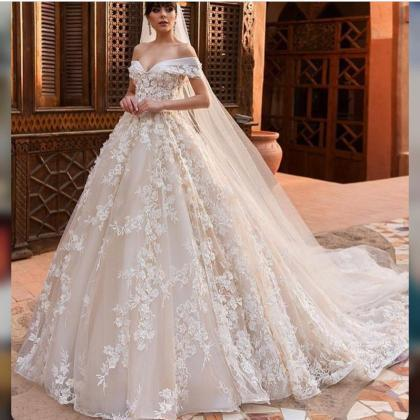 Off the Shoulder Wedding Dress, Lac..